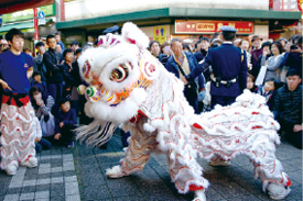 神戸南京町の獅子舞